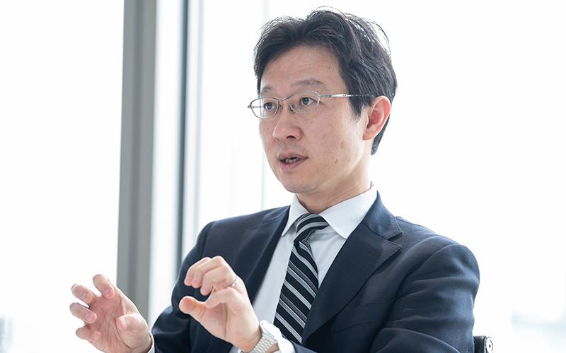 東京と大阪の2拠点で、総勢90名のメンバーが財務デューディリジェンスに携わる